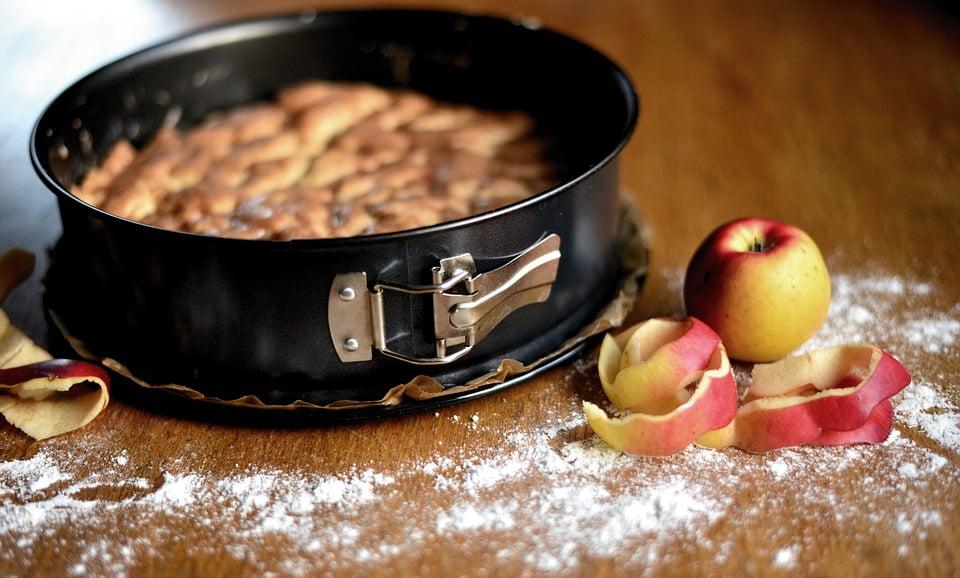 Met dit recept bak je een heerlijke vegan appeltaart.